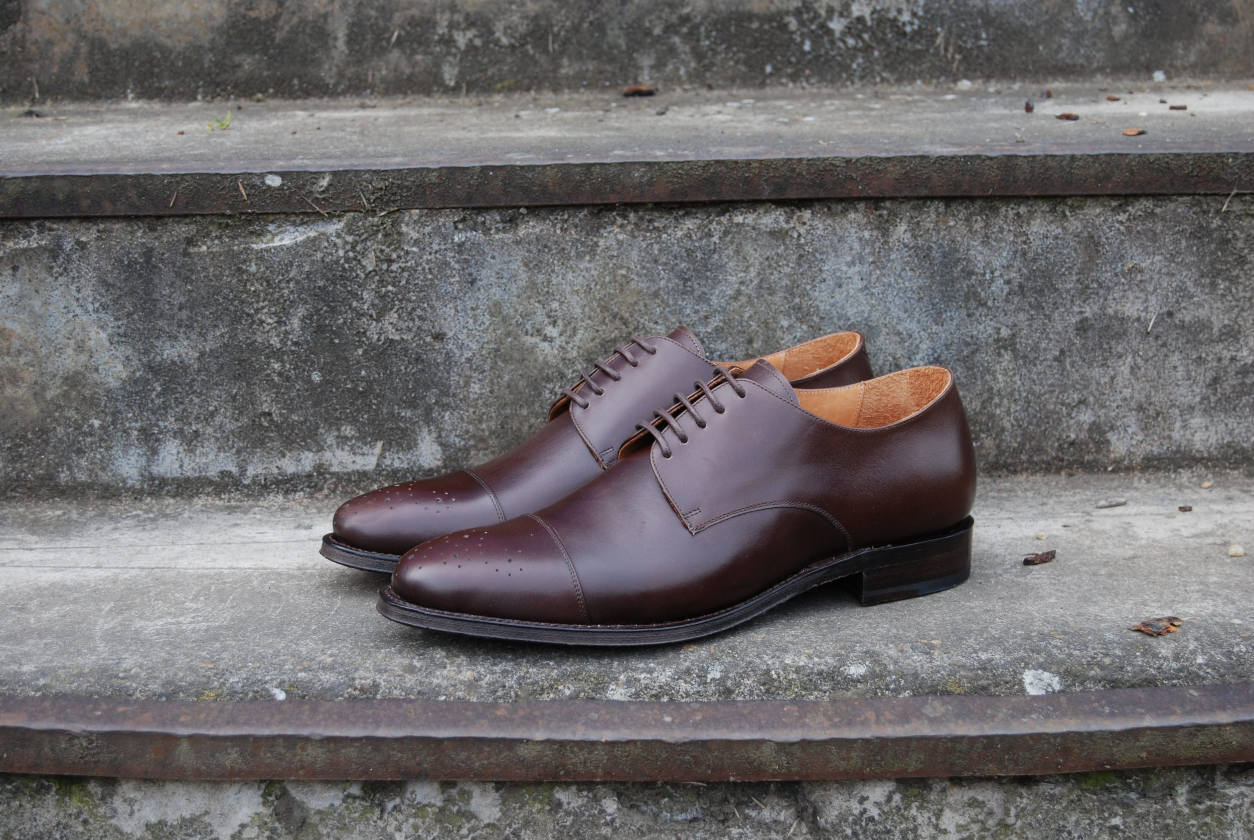 Vlad Alexandru brown Cap Toe Derby medallion