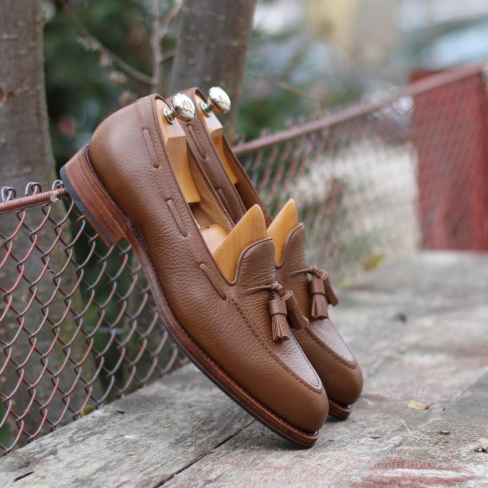 Vlad Alexandru brown Pebble grain tassel loafers