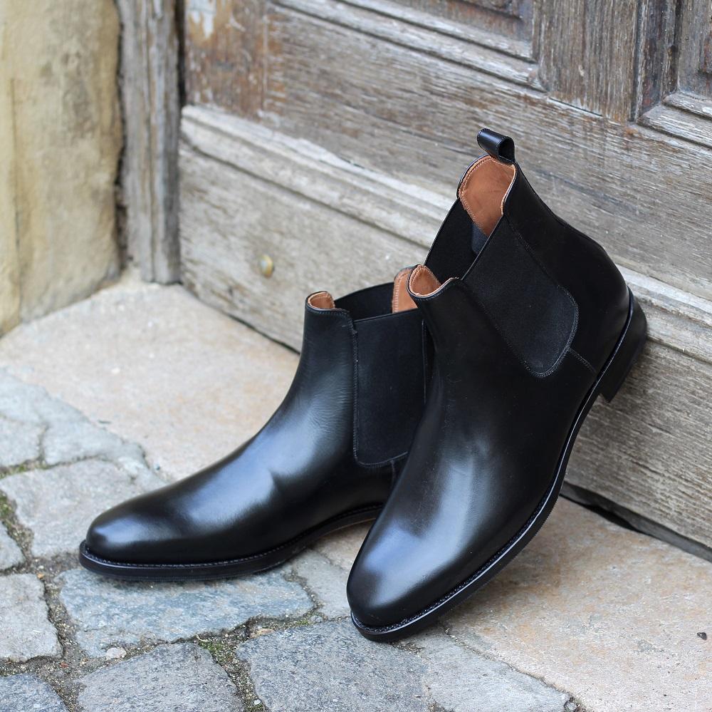 Vlad Alexandru Chelsea boots black
