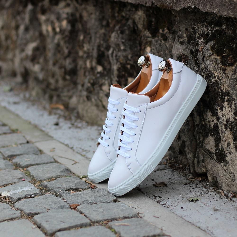 Vlad Alexandru white Sneakers